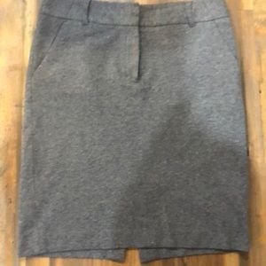 Soft grey pencil Ann Taylor loft skirt